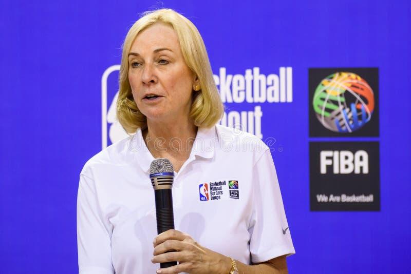 Kim Bohuny, vicepresidente de NBA de las operaciones internacionales del baloncesto imágenes de archivo libres de regalías