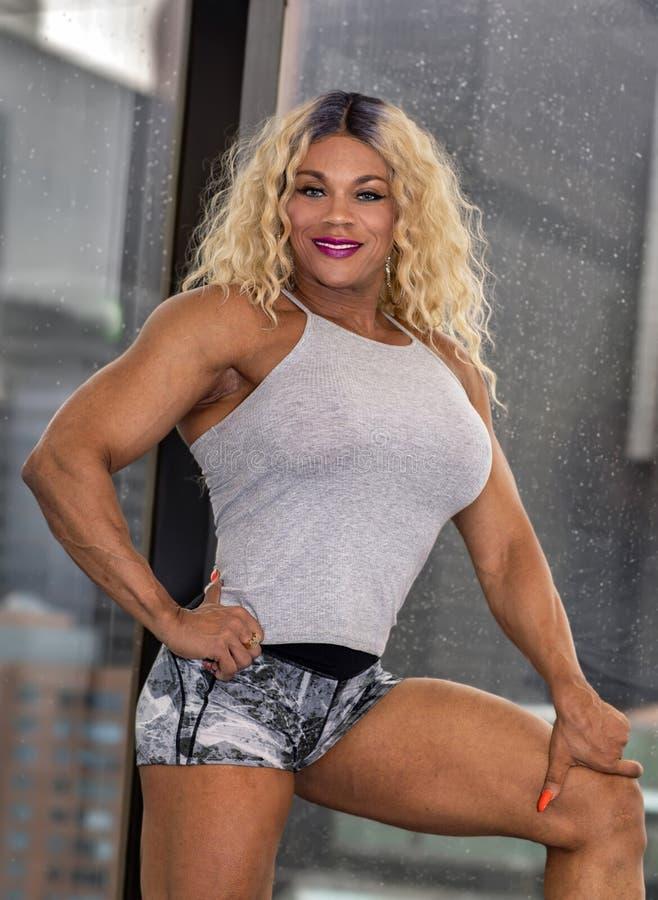Kim Buck, mujer de tentación Bodybiolder imagenes de archivo