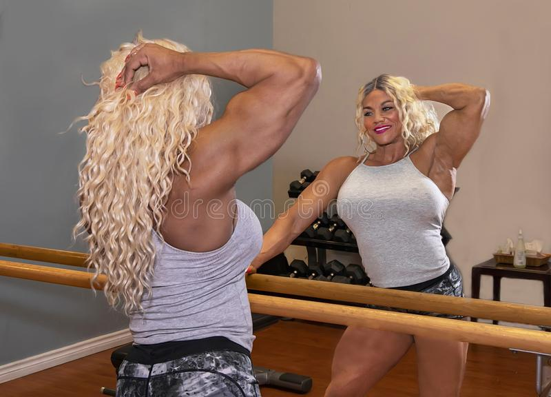 Kim Buck, mujer de tentación Bodybiolder foto de archivo libre de regalías