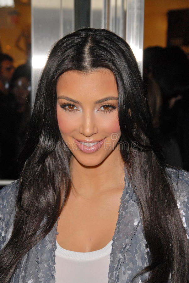 Download Kim Kardashian redaktionelles stockfotografie. Bild von lippe - 26357032