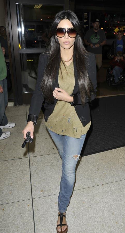 Kim Kardashian em RELAXADO foto de stock royalty free