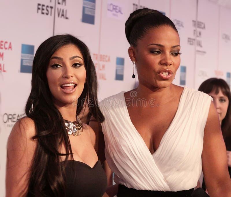 Kim Kardashian et Sanaa Lathan photographie stock libre de droits