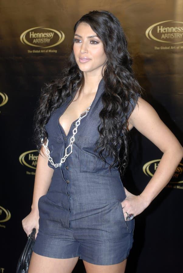 Kim Kardashian no tapete vermelho fotografia de stock royalty free