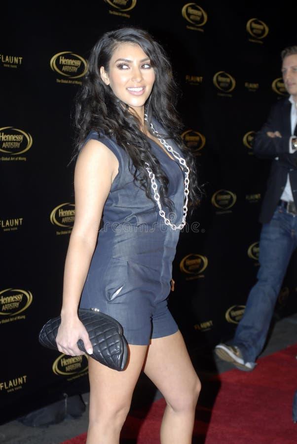 Kim Kardashian sur le tapis rouge image libre de droits