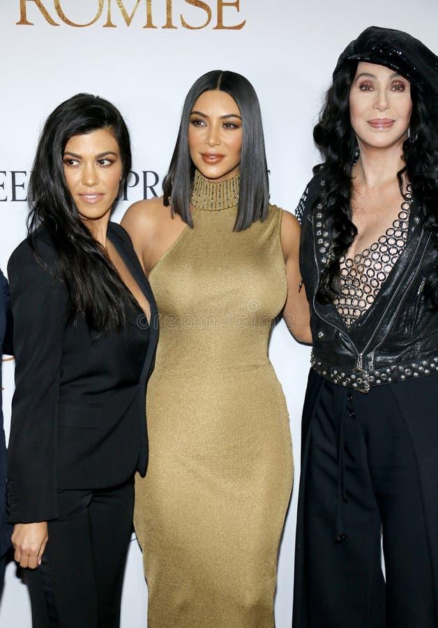 Kim Kardashian West, Cher et Kourtney Kardashian image libre de droits