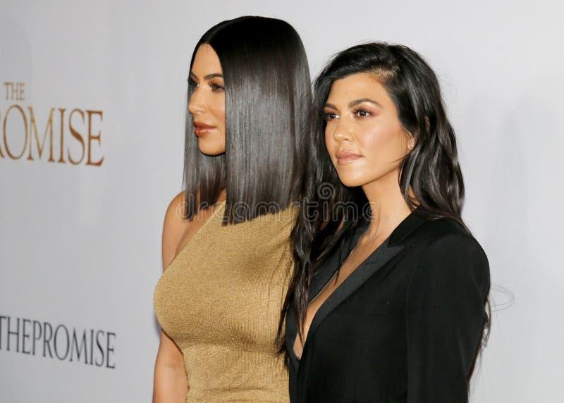Kim Kardashian West et Kourtney Kardashian image libre de droits