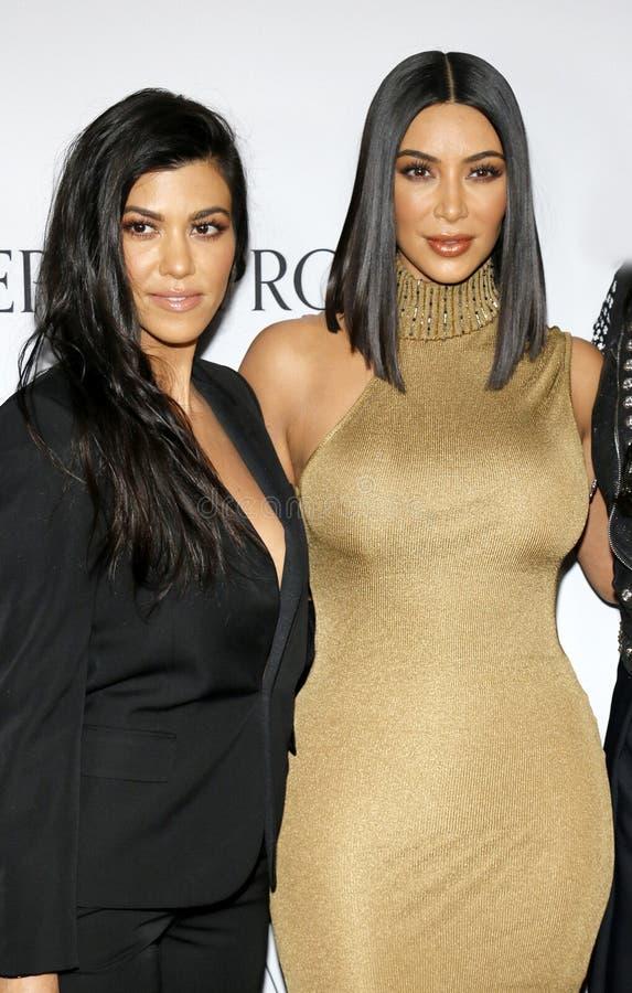 Kim Kardashian West et Kourtney Kardashian photos stock