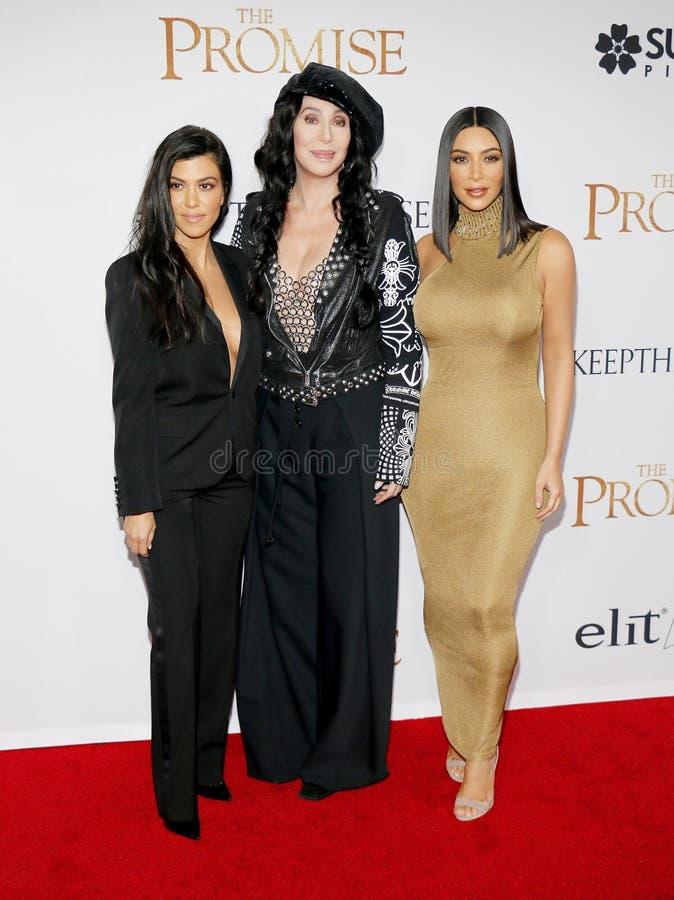 Kim Kardashian West, Kourtney Kardashian et Cher images libres de droits