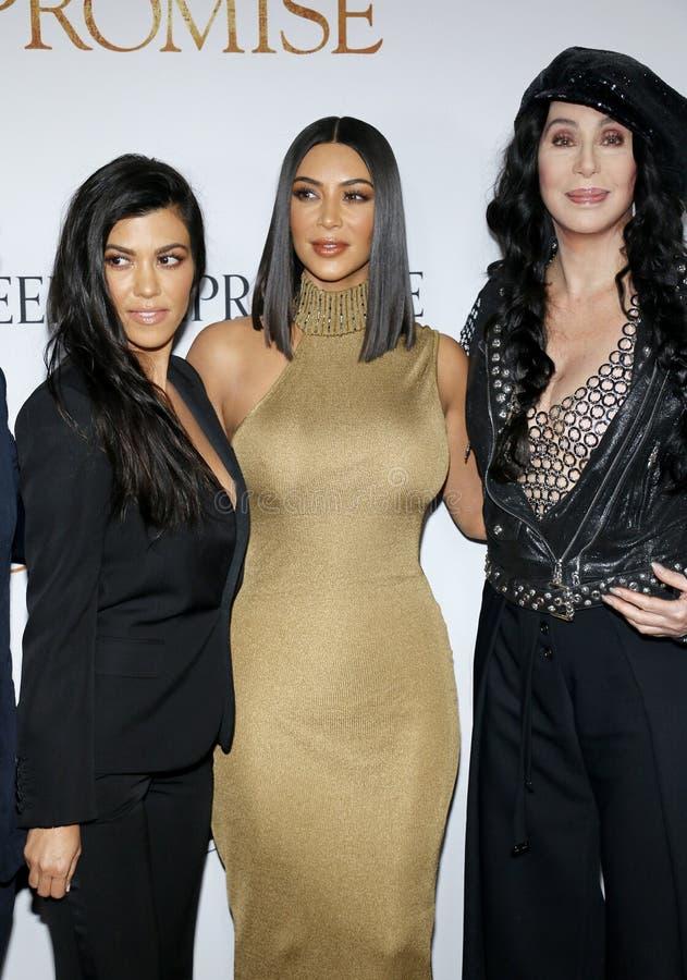Kim Kardashian West, Kourtney Kardashian et Cher photos stock