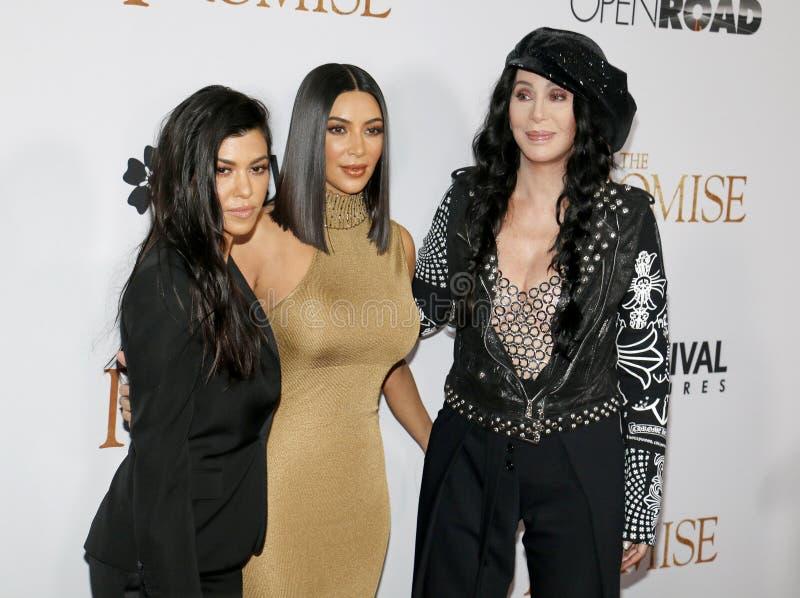 Kim Kardashian West, Kourtney Kardashian et Cher photo libre de droits