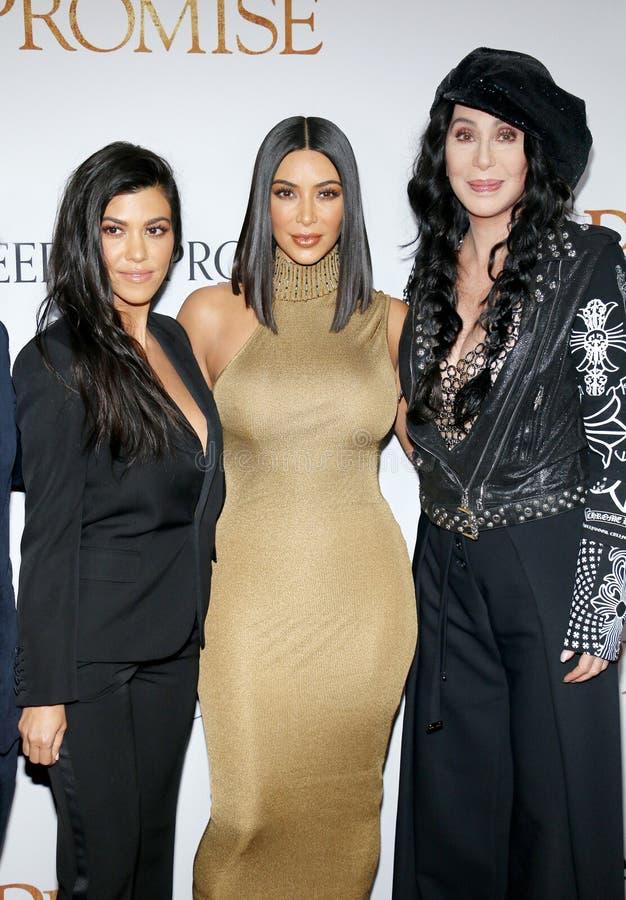 Kim Kardashian West, Kourtney Kardashian et Cher photographie stock libre de droits
