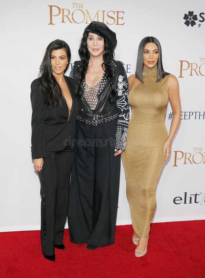 Kim Kardashian West, Kourtney Kardashian et Cher photographie stock
