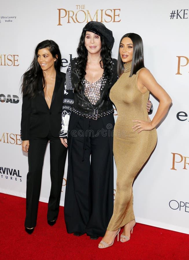 Kim Kardashian West, Kourtney Kardashian et Cher photos libres de droits