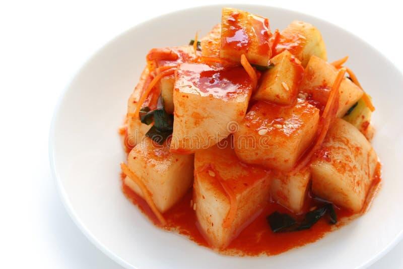 Kimchi van de radijs, Koreaans voedsel stock afbeeldingen