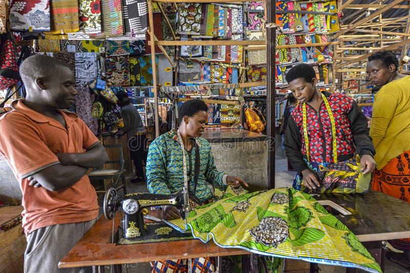 Kimironko-Markt in Kigali, Ruanda lizenzfreie stockfotos