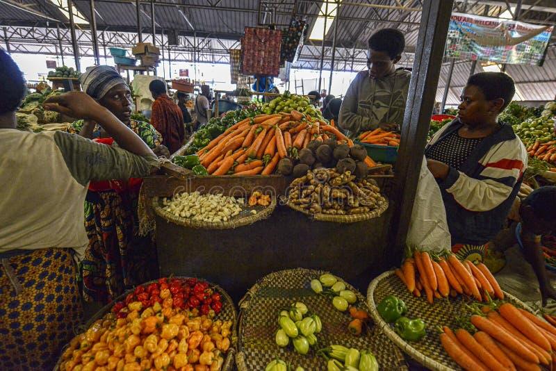 Kimironko-Markt in Kigali, Ruanda stockfotos