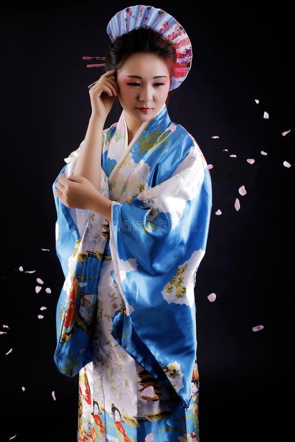 Kimono orientale di bellezza dell'abbigliamento giapponese tradizionale fotografie stock libere da diritti