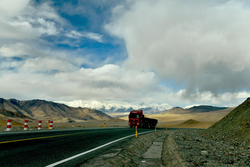 Kina - Pakistan kamratskapväg på Pamirs arkivfoto