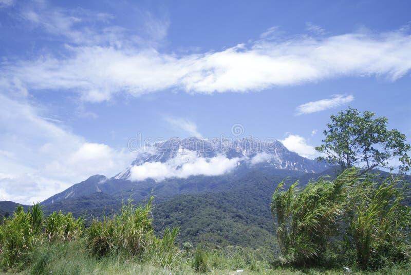 Kinabalu-Bergblick morgens lizenzfreies stockbild