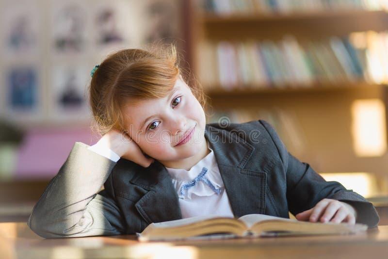 Kind lizenzfreie stockfotografie