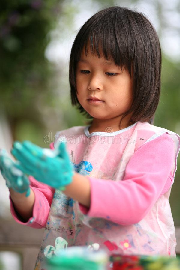 Kind & het schilderen baan royalty-vrije stock fotografie