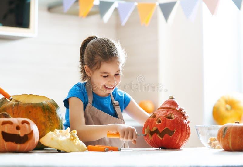 Kind auf Halloween stockfotografie