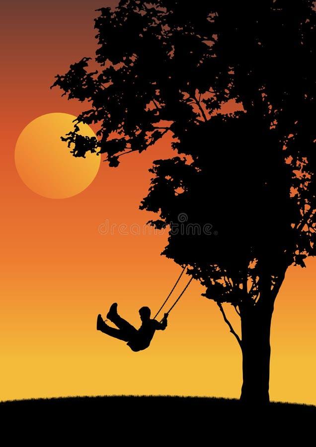 Kind auf Schwingen im Sonnenuntergang.