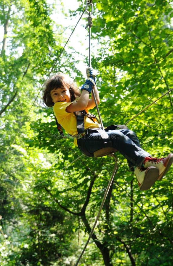 Kind in avonturenpark
