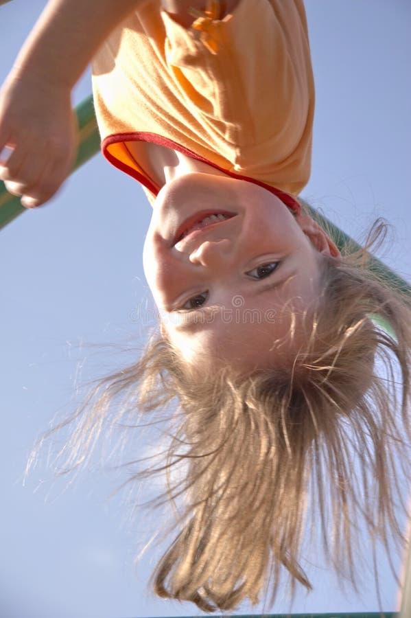 Kind bij het beklimmen van pool 06 royalty-vrije stock foto