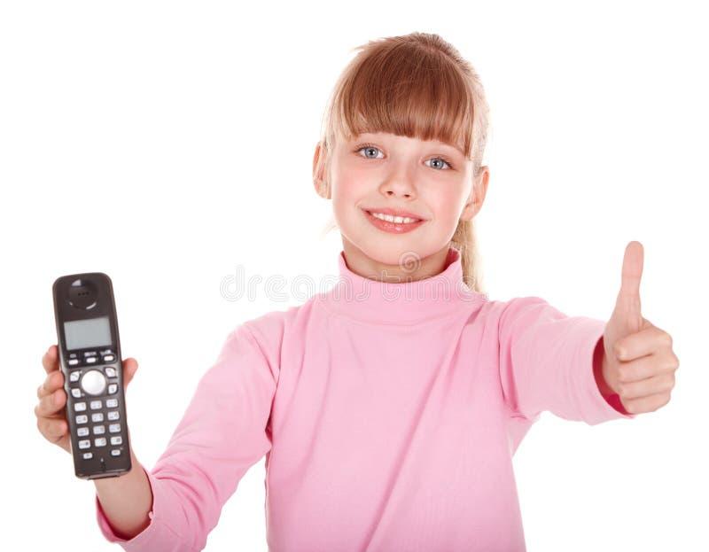 Kind dat telefonisch spreekt. stock afbeeldingen
