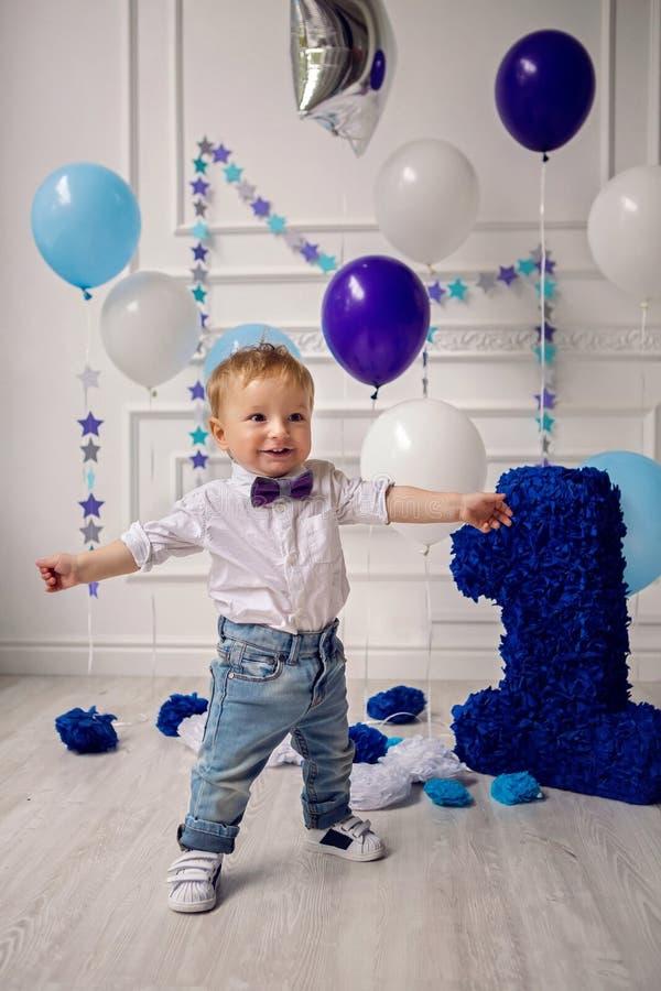 Kind in de dag van geboorte één jaar royalty-vrije stock foto's