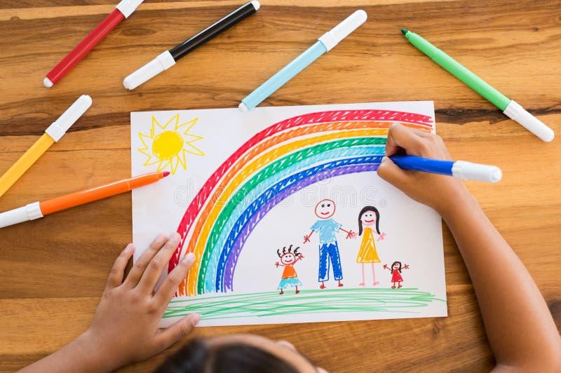 Kind die gelukkige familie trekken royalty-vrije stock afbeelding