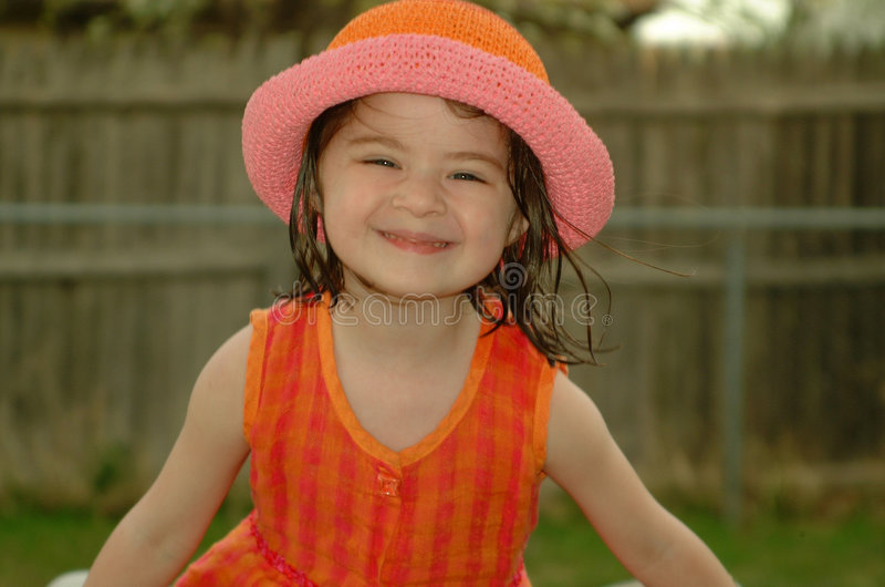 Kind-Dummes Lächeln lizenzfreie stockfotografie