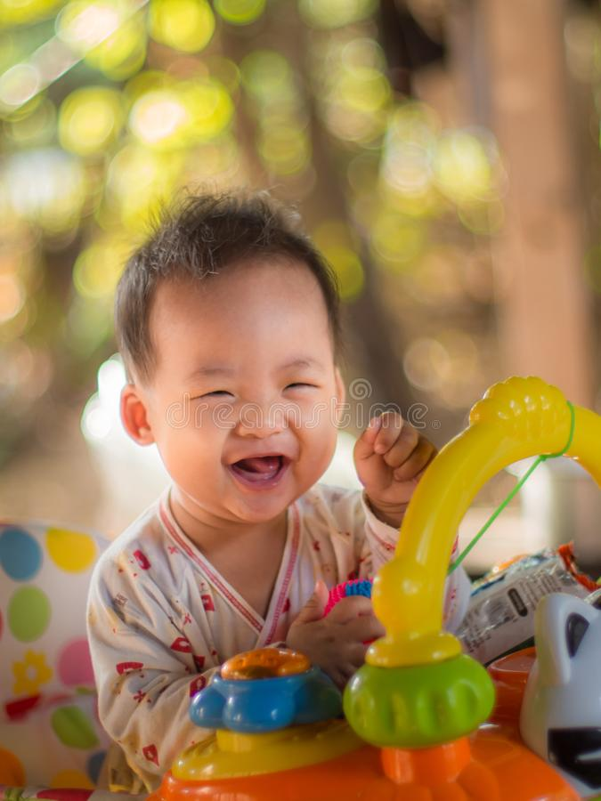 Kind in einer guten Laune stockbild