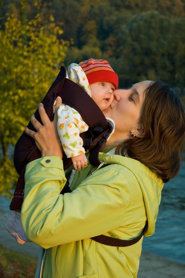 Kind en moeder 3 stock foto