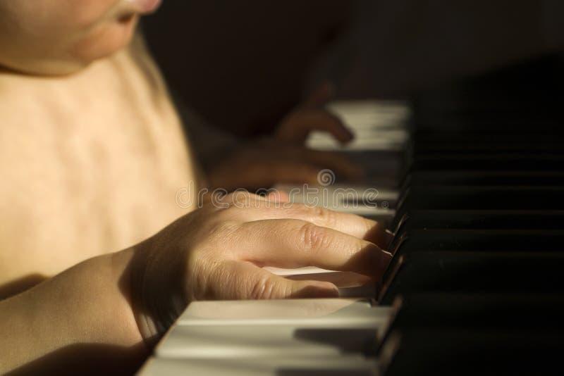 Kind en muziek royalty-vrije stock foto's