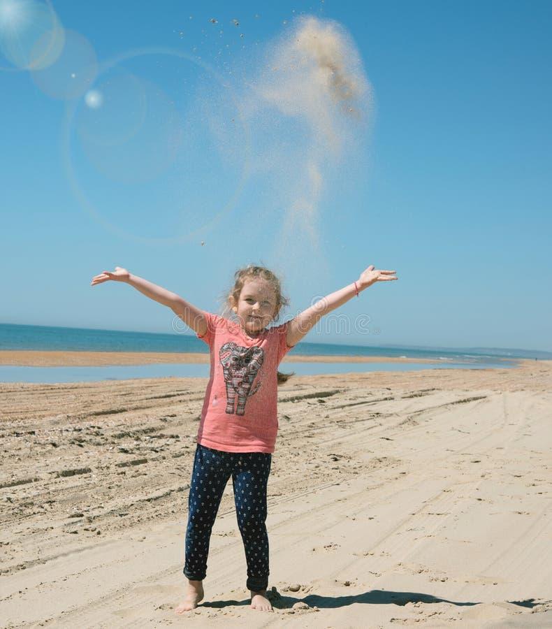 kind het overzeese strand stock foto's