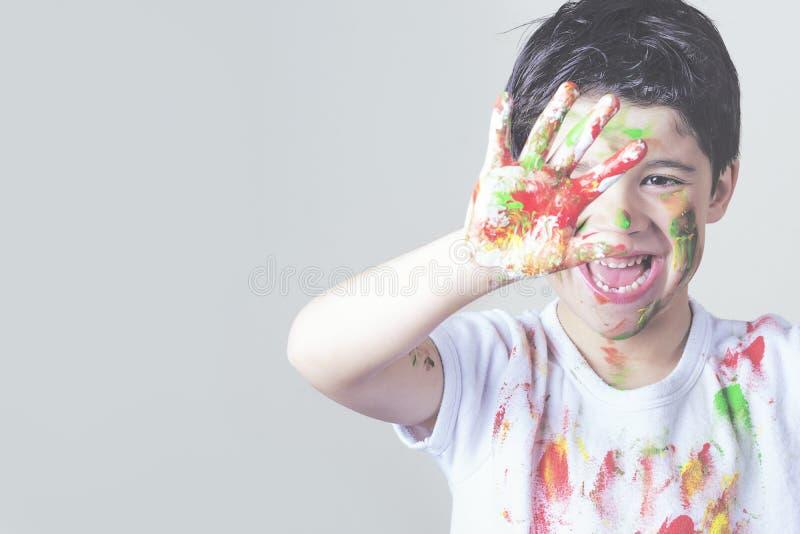 Kind het schilderen stock afbeelding