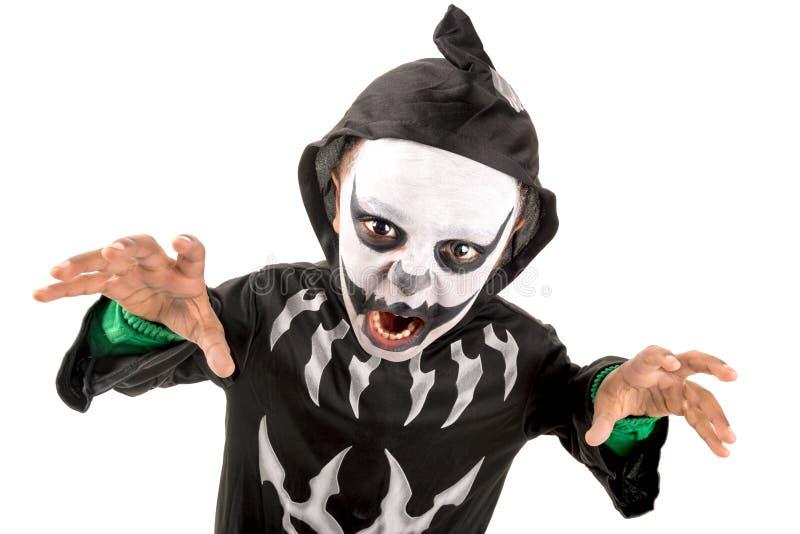 Kind im Halloween-Kostüm stockfotografie