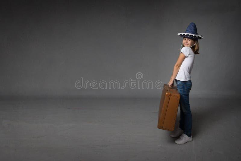 Kind klaar voor vakantie stock foto's