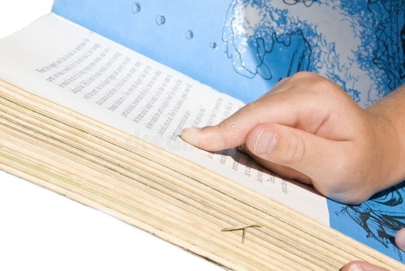 Kind-Lesen/zeigend Auf Wörter Stockfoto