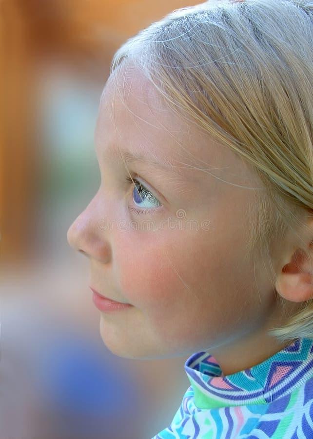 Kind met de Ogen van de Lavendel stock fotografie