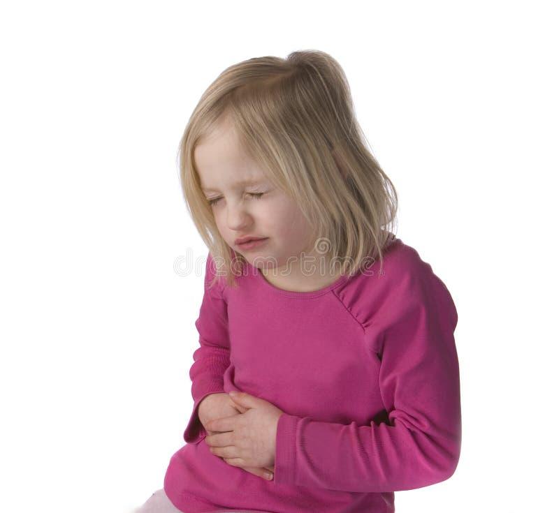 Kind mit Magen-Schmerz lizenzfreie stockfotos