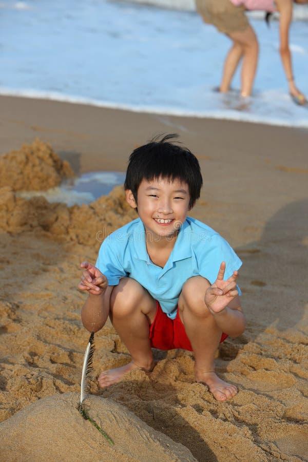 Kind op het strand royalty-vrije stock afbeeldingen