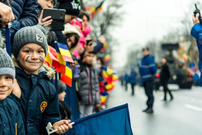 Kind op militaire parade stock fotografie