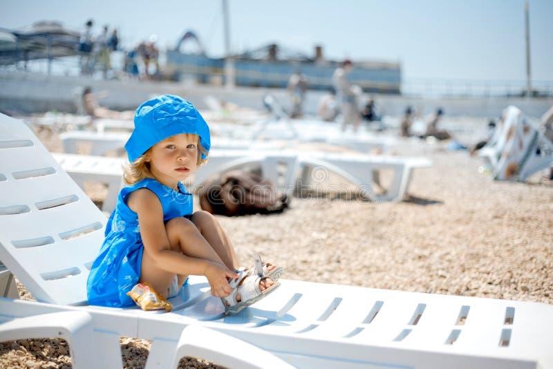 Kind op strand royalty-vrije stock fotografie