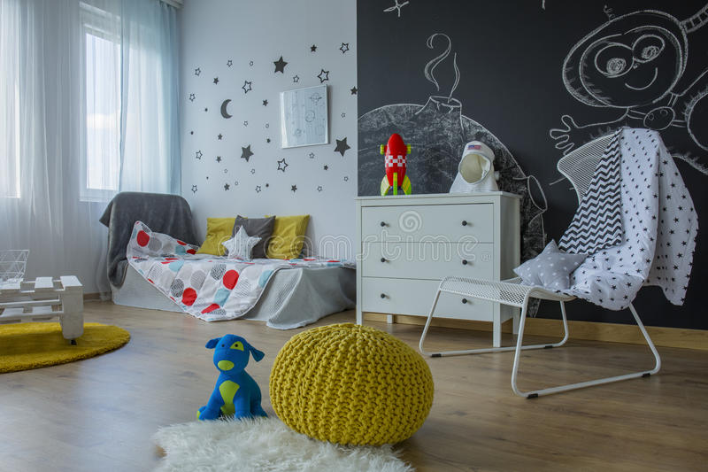 Kind-` s Rauminnenraum stockfotografie