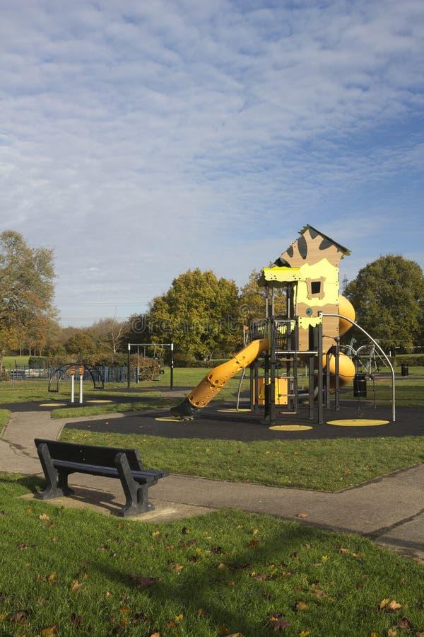 Kind-` s Spielplatz in Wickford Memorial Park, Essex, England lizenzfreies stockfoto
