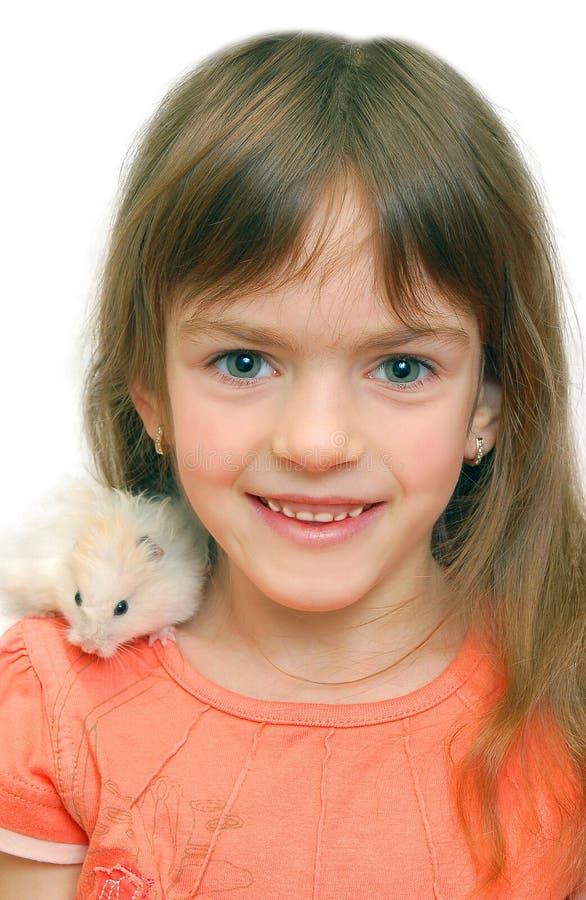 Kind und weißer Hamster lizenzfreies stockfoto