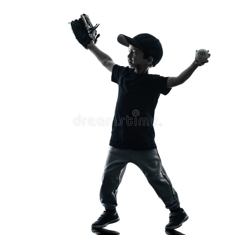 Kind, welches das Softballspielerschattenbild lokalisiert spielt lizenzfreies stockbild